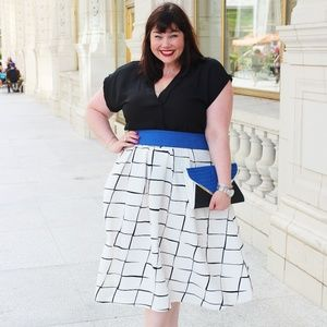 Black and White Graphic Check Midi Skirt - sz18/20